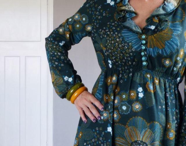 Vintage 1970s autumn maxi dress fashion blog by Kate Beavis