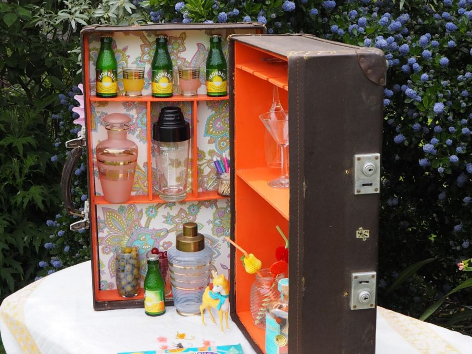 How to make a vintage suitcase bar for your gin cocktail party