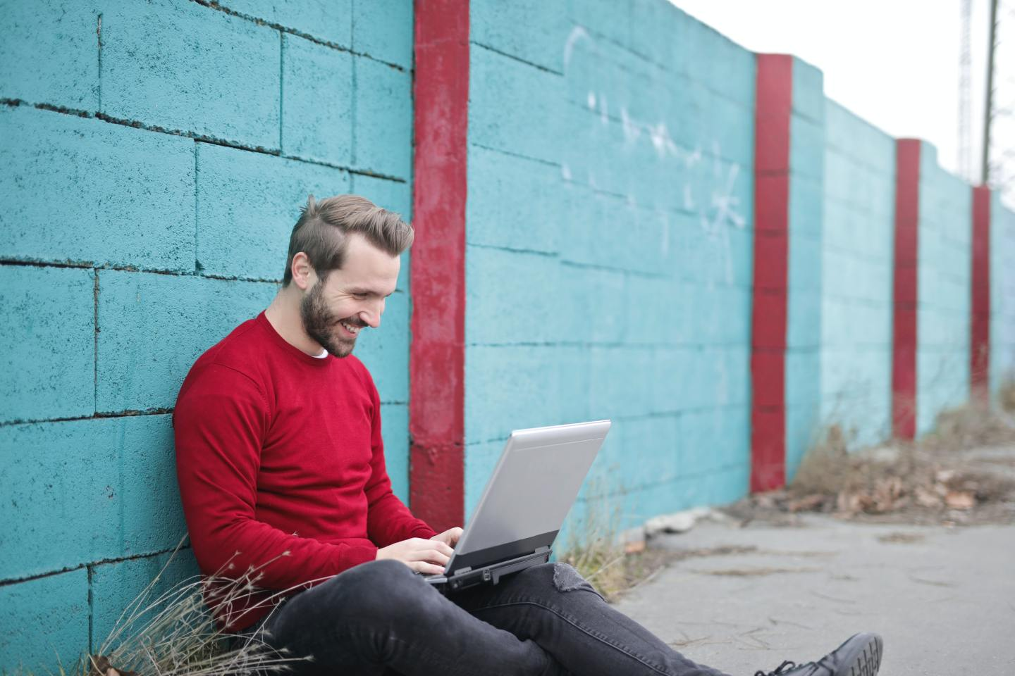 Good Reasons To Spend More Time Online (Even When You're Not A Fan Of Tech)