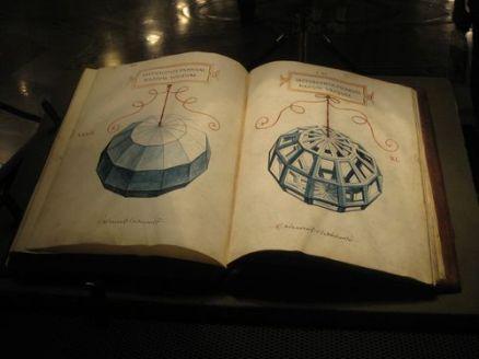 Da Vinci polyhedra