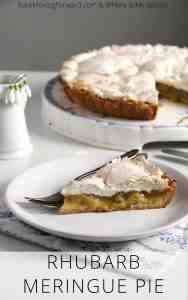 Rhubarb Meringue Pie - A delicious and light rhubarb dessert perfect for spring!