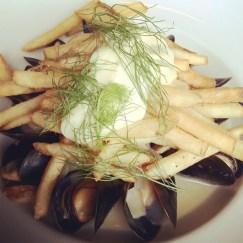 Mussel frites, Belgian style, aioli