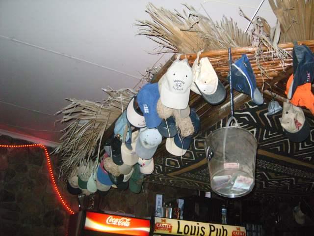 louis-bar-hats