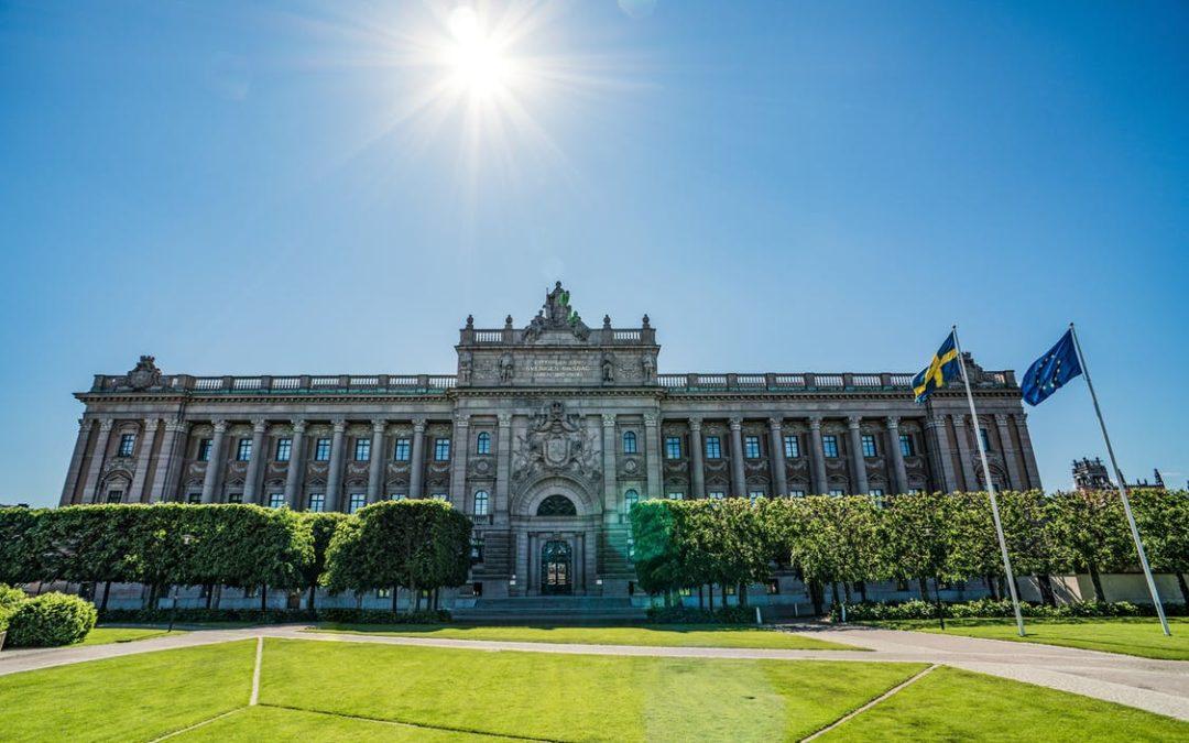 """""""De ansvariga för Sveriges kaos behöver en intervention för att ställas till svars"""""""
