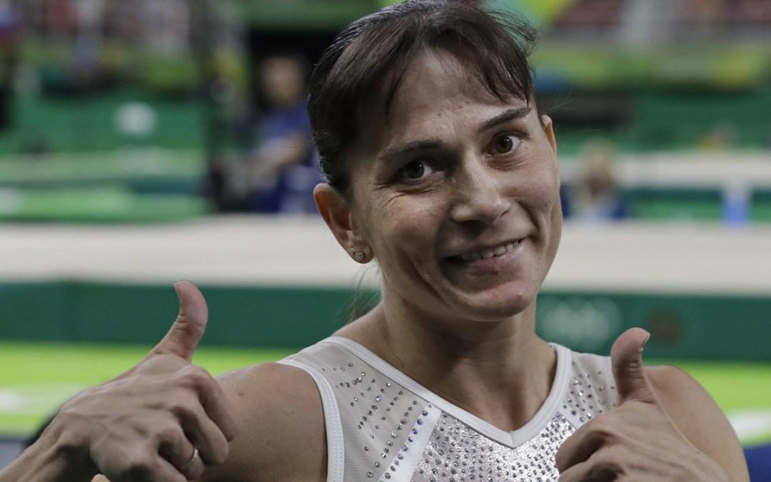 Η Oksana Chusovitina είναι η μεγαλύτερη (σε ηλικία) αθλήτρια στο Τόκιο. Ο λόγος που δεν έχει αποσυρθεί είναι σπουδαίος