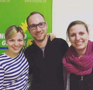 Katharina Schulze mit den Fürstenfeldbruckern Jan Halbauer und Lena Liesenhoff