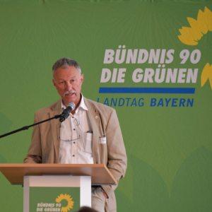 Werner Feiler bei seiner Keynote beim 1. Grünen Polizeikongress
