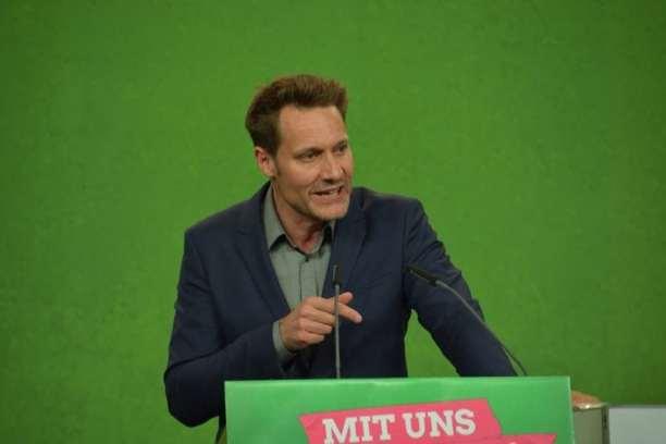 Spitzenkandidat Ludwig Hartmann auf dem Parteitag in Hirschaid.