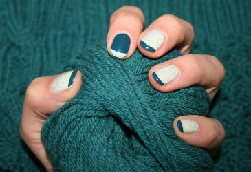 Mint-sparkle-teal-french-nails