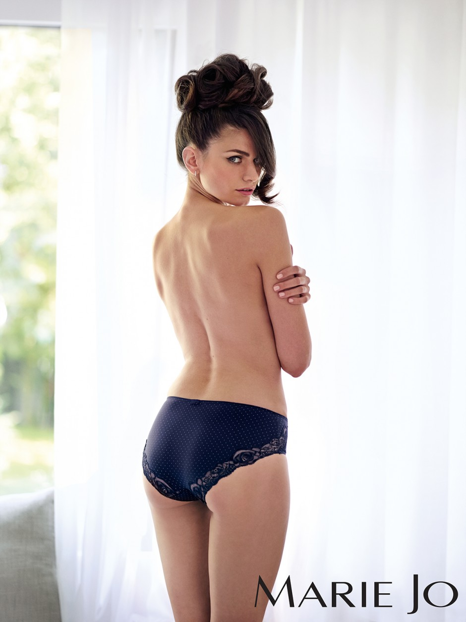 Marie_Jo_Axelle_Cosmopolitan-Blue-03_low_res