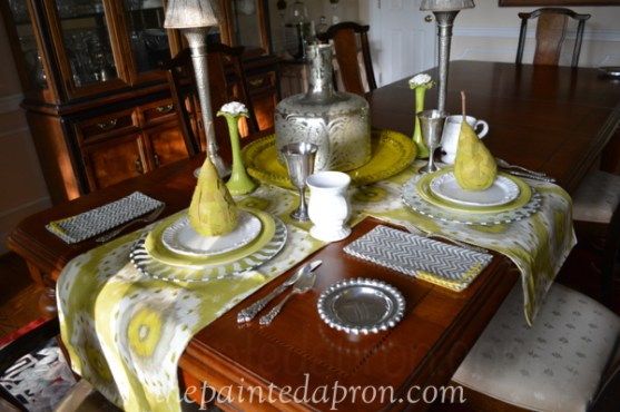 pear table setting