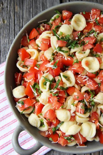 Bruschetta-Pasta-Salad