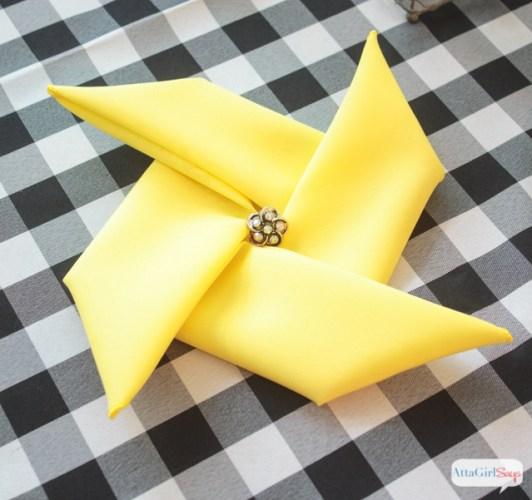 napkin folding pinwheel pattern