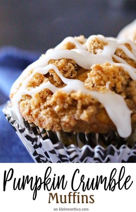 pumpkin crumble muffins