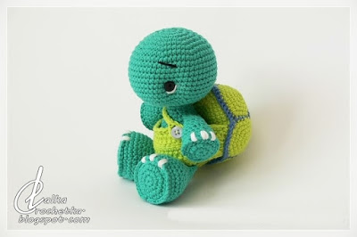crochet turtle with removable shell