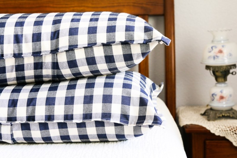 diy buffalo check pillow shams