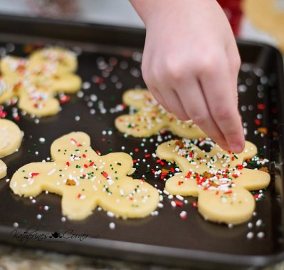 new uses for old things baking sheet for cookie decorating