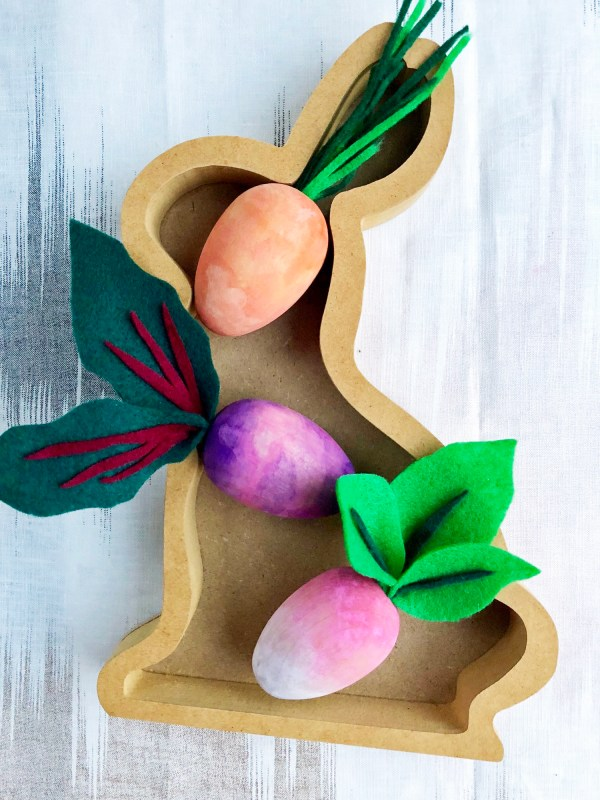 wooden watercolor easter egg veggie decor