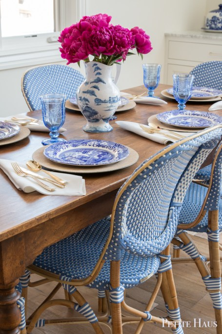 fuschia blue and white table setting
