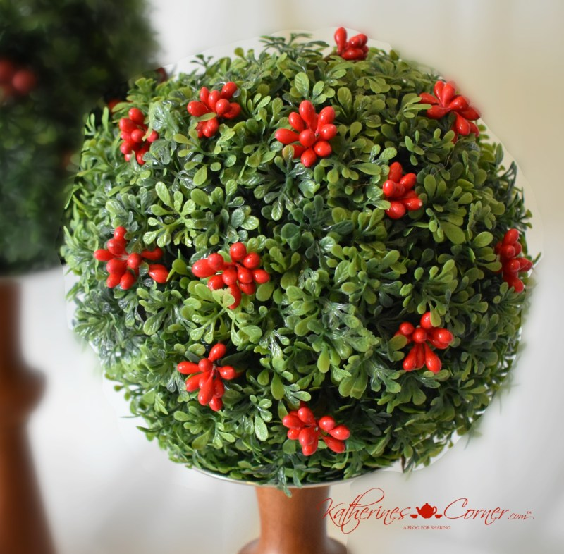 15 minute diy holly berry topiary