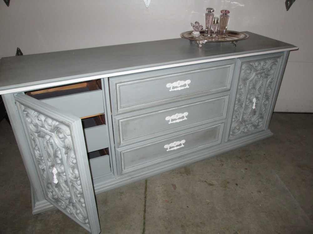 Chalk Painting an Awesome Vintage Dresser (6/6)