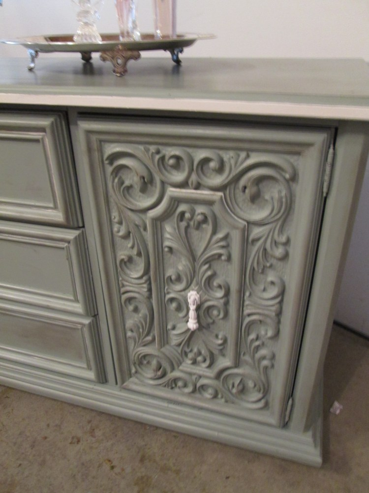 Chalk Painting an Awesome Vintage Dresser (5/6)