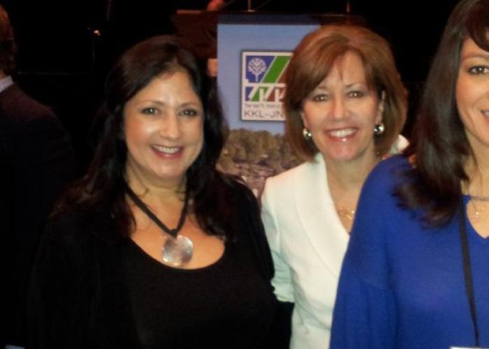 Annette & Michelle Garcia - Son Broadcasting