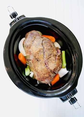 Seared-chuck-roast-in-crock-pot-with-veggies
