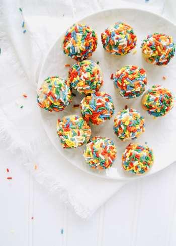 sugar-cookie-balls-with-sprinkles-v2