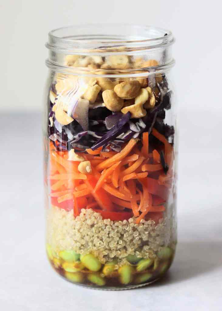 Quinoa mason jar salad without lid