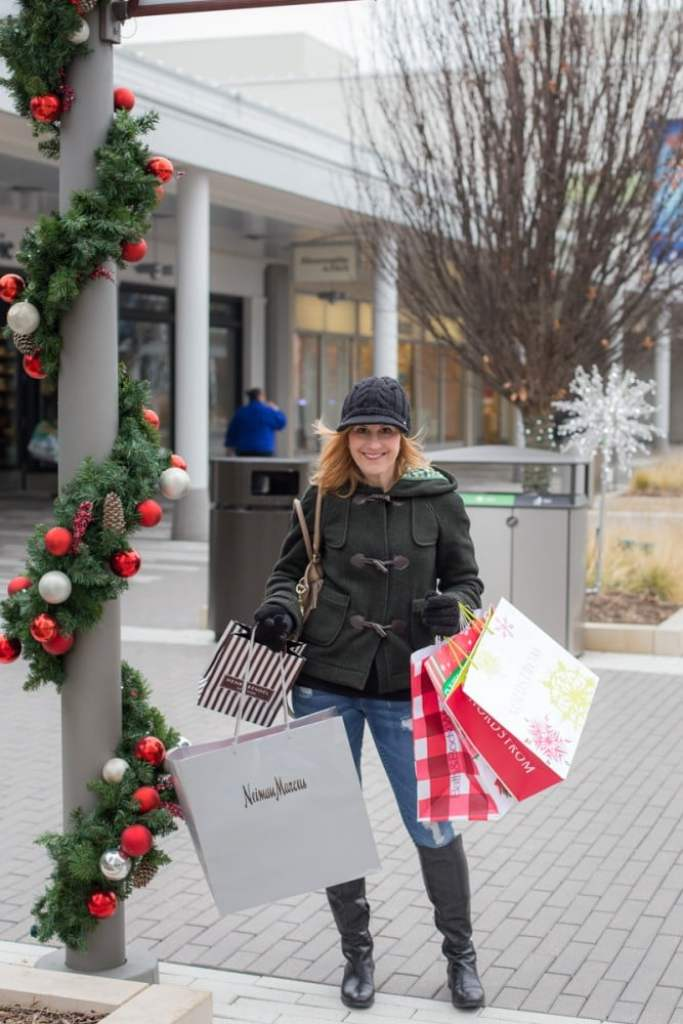 Holiday Shop 2017 - Gifts and Holiday Style