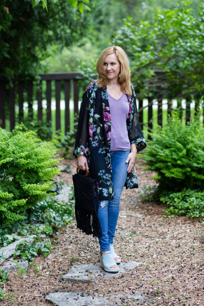 Being kimono cool in floral with this casual summer look.