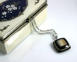 jewelry-box-313900_1920