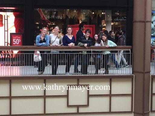 Cousins take the mall