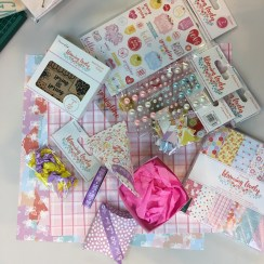 a-crafters-stash-at-the-chsi-stitches-trimcraft-workshop