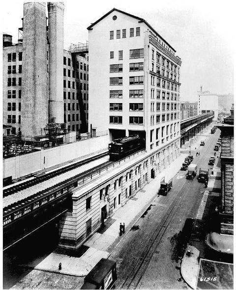 New York High Line building over tracks