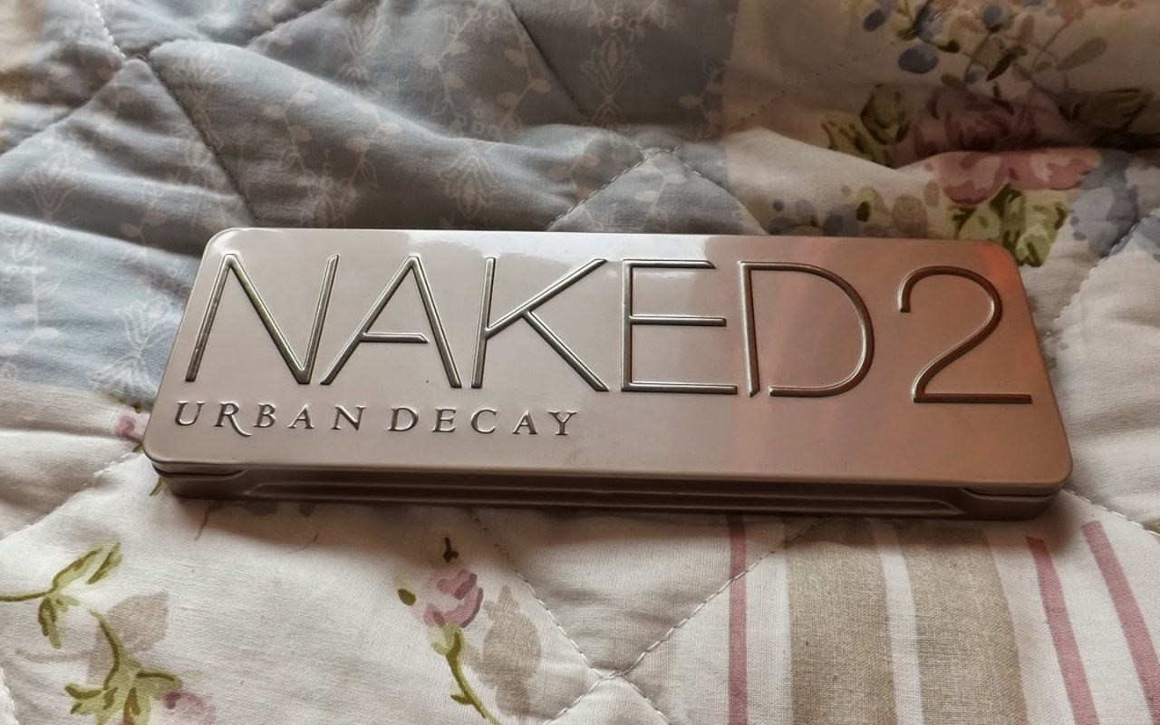 Urban Decay Naked2 palette review!