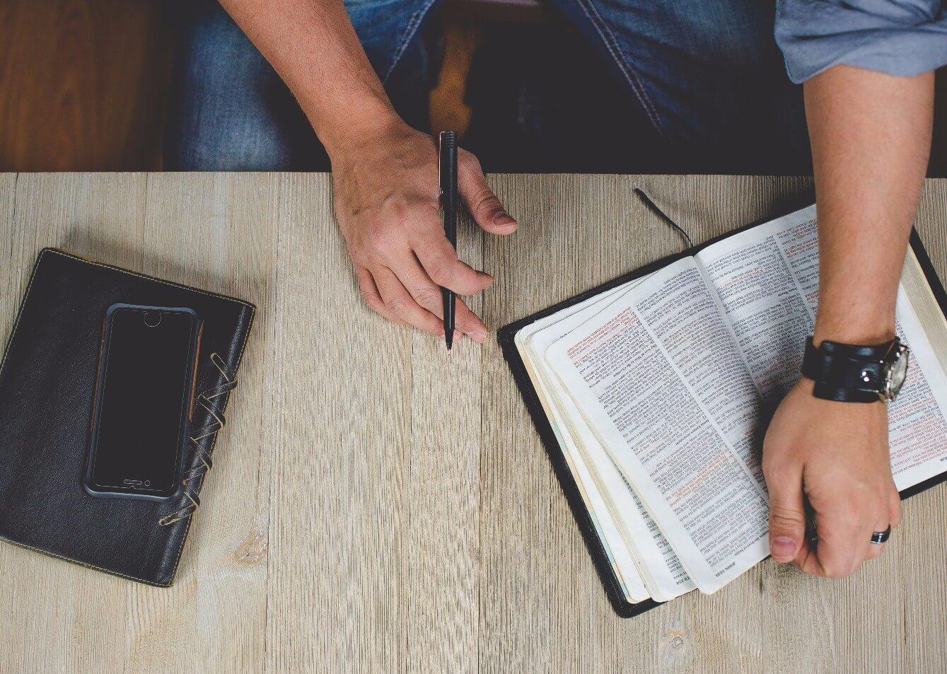 Building Discipleship Focused Relationships on Social Media