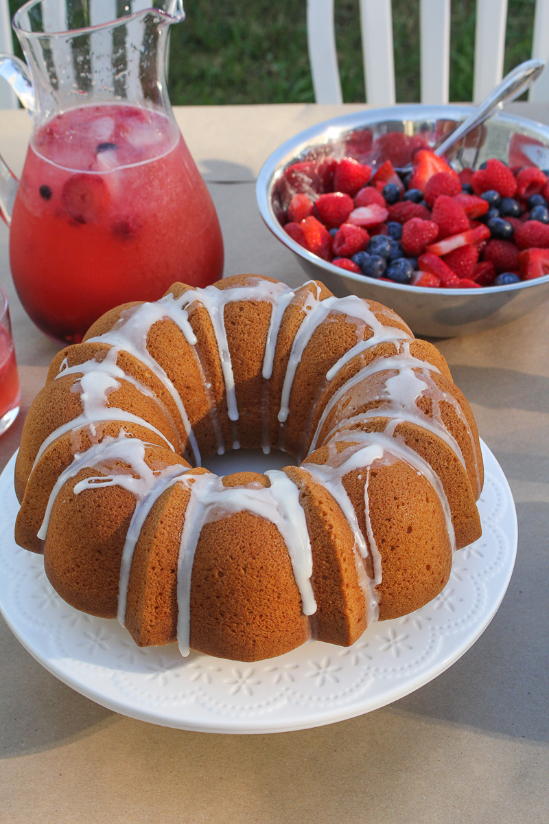 One-Bowl Lemon Pound Cake {Katie at the Kitchen Door}