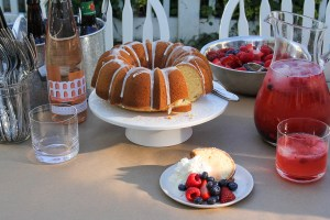 One-Bowl Lemon Pound Cake {Katie at the Kitchen Door}