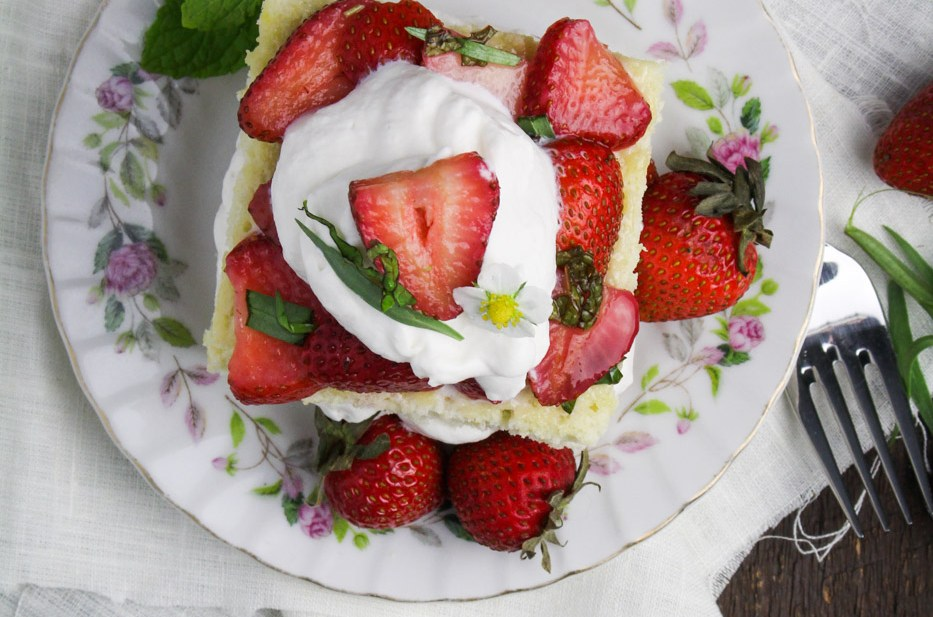 French Spring Dinner with La Crema: Strawberries and Cream Chiffon Cakes