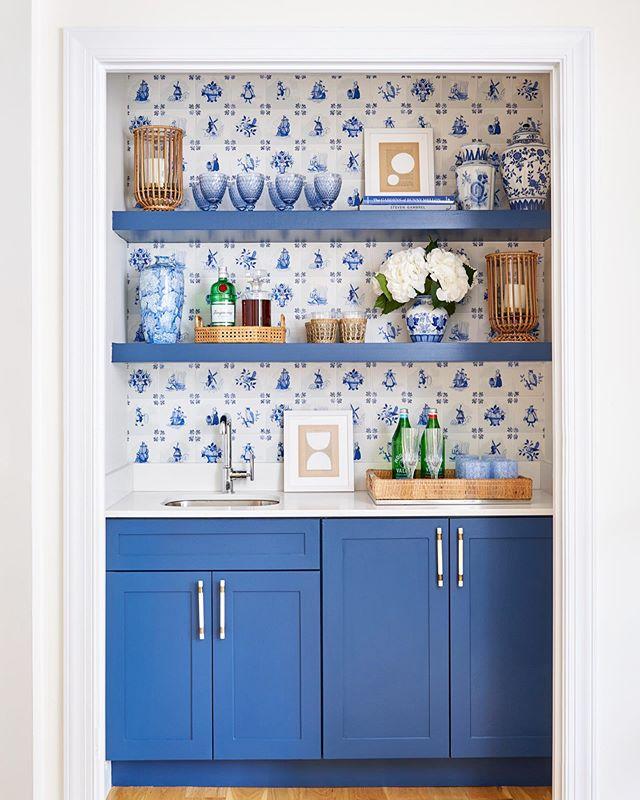 blue white wet bar delft tiles
