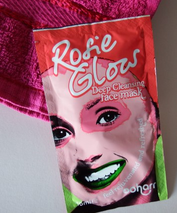Ooh Arr Rosie Glows Face Mask