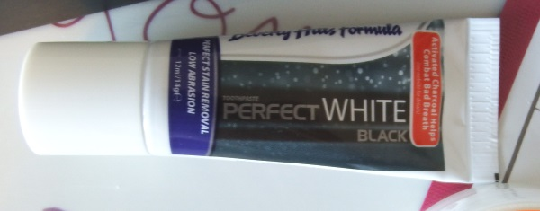 You Beauty August 2016 Review and Unboxing Beverley Hills Formula Perfect White Black Toothpaste