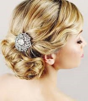 How to Do A Chignon 5 Fun Christmas Hairstyles Hairstyle Ideas Easy Hair Tutorials
