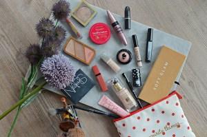 What's In My Makeup Bag   June 2018