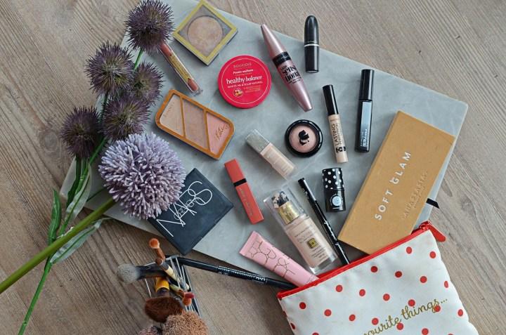 What's In My Makeup Bag | June 2018