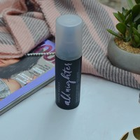 Is It Worth The Hype? | Urban Decay All Nighter Setting Spray