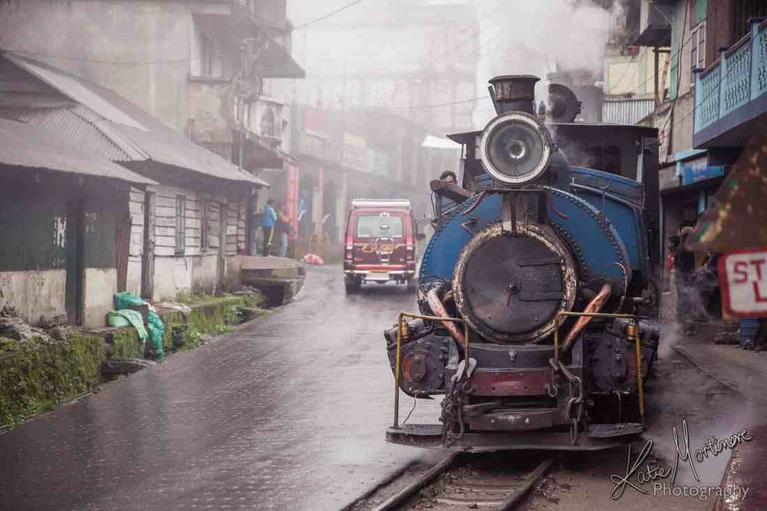 india darjeeling train