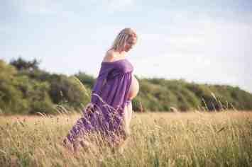 maternity photographer wiltshire hampshire somerset